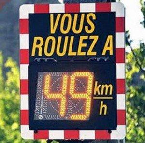 reduire-la-vitesse-maximale-autorisee-a-80km-h-sur-les-routes-secondaires-ou-elle-est-limitee-a-90-km-h-est-a-la-reflexion